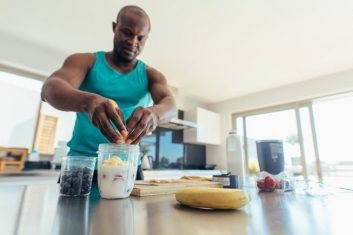 What Foods to Eat Before and After Workout! 