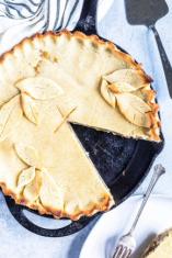 Apple Pie Keto Low Carb sliced pie