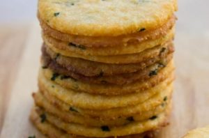 Cheese Cracker Low Carb intro