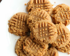 Peanut Butter Cookies Keto 1