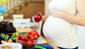 How to stay fit during pregnancy with nutrition