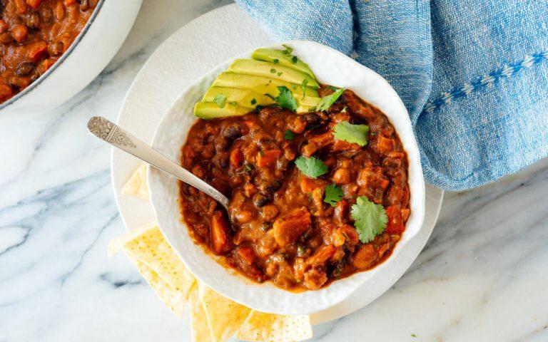Easy Homemade Vegan Chili Recipe