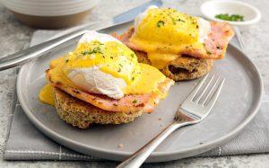 Eggs Benedict Keto