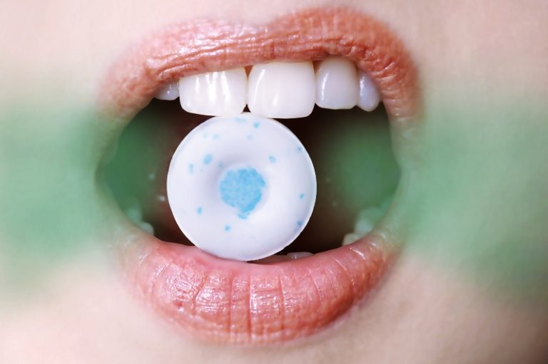 8 Ways to Fight Bad Breath
